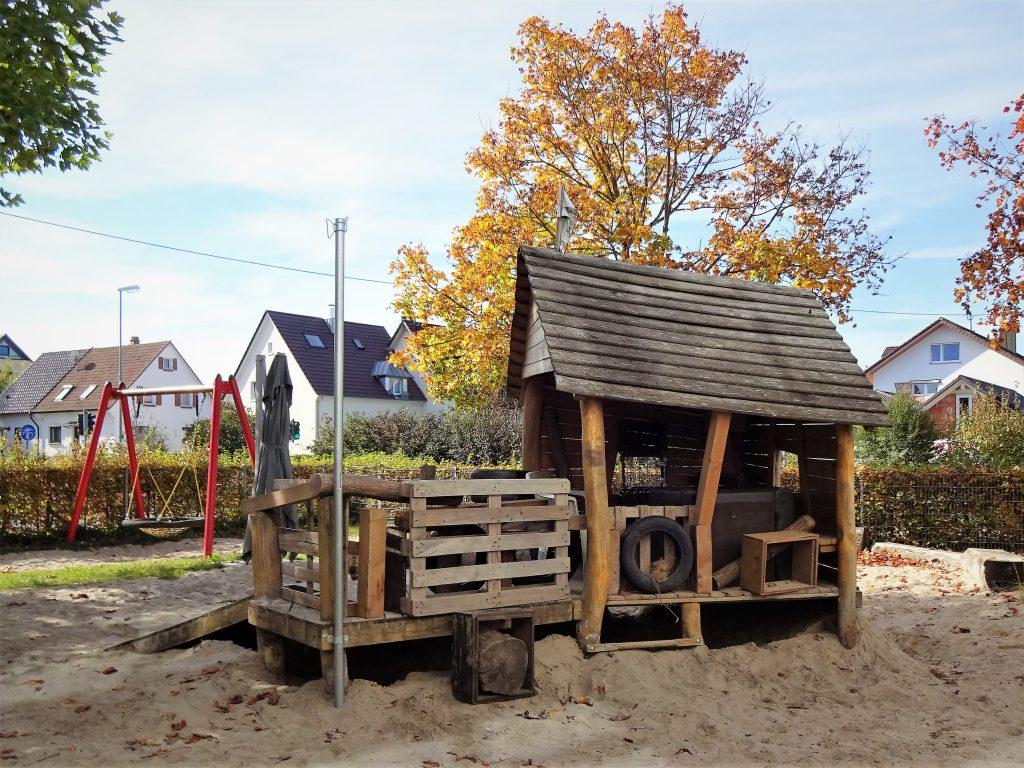 Holzhütte für Kinder